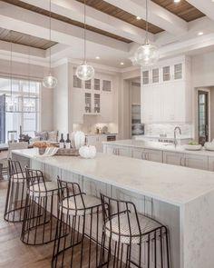 White Kitchen Design Ideas Adding Warmth - Home Remodeling Ideas Dream Home Design, Home Interior Design, Home Decor Kitchen, Home Kitchens, Kitchen Ideas, House Kitchen Design, Beautiful Kitchens, Layout Design, Design Ideas