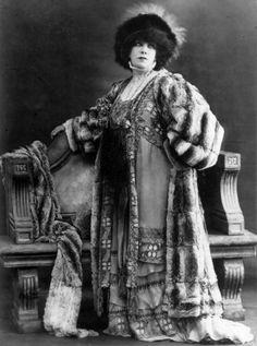 Sarah Bernhardt by Reutlinger, ca. 1905