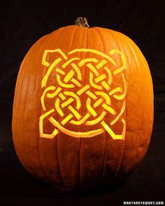 celtic knot pumpkin from Martha Stewart... Not a big fan of hers, but I like this pumpkin!
