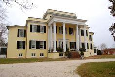 Oatlands Plantation, a historic manor in Leesburg, Virginia, established 1798. House dates to 1803.