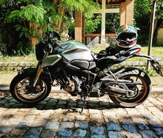 Test d'une heure en vue d'une nouvelle moto. My Ride, Honda, Motorcycle, Bike, Vehicles, Baby Born, Bicycle Kick, Bicycle, Biking