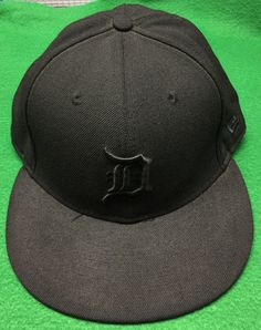 Black on Black Detroit Tigers New Era Fitted Cap Size 7 & 1/2 (59.6 cm) by CoryCranksOutHats on Etsy