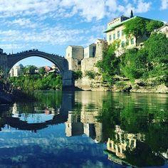 Colorful sky over Old Bridge in Mostar. Visit our website: www.tourguidemostar.com  #worldcaptures #beautifuldestinations #PassionPassport #WorldPlaces #travel #travelstoke #instatravel #wanderlust #traveling #travelphoto #travelblog #TravelAwesome #DarlingWeekend #bbctravel #DameTraveler #travelingram #tourguidemostar #bosniaandherzegovina #followforfollow