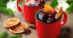Holiday Cheers: 9 Boozy Christmas Drinks from Around the World — Fodor's Travel Apple Cider Cocktail, Cider Cocktails, Festive Cocktails, Holiday Drinks, Holiday Foods, Cocktail Recipes, Wine Recipes, Traditional Christmas Food, Wine Bottles