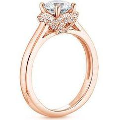beautiful setting, rose gold & diamonds