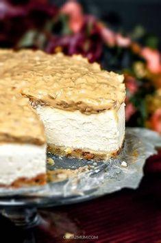 """NAJLEPSZY SERNIK Z KAJMAKIEM """" SŁONECZNIKOWIEC """" , SLonecznikowiec, ciasto z prażonym słonecznikiem, sernik, najlepszy, kremowy, kapiel wodna, cheesecake, delicius, recipe, przepis Dessert Cake Recipes, Cookie Desserts, Sweets Recipes, Baking Recipes, Pavlova, Original Cake Recipe, Cake Roses, Delicious Desserts, Yummy Food"""