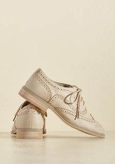 Talking Picture Oxford Flat in Biscuit. And now for your feature presentation - these light beige wingtips! #tan #modcloth