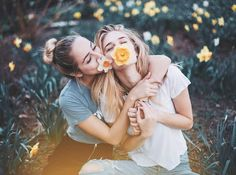 34 ideas photography poses for friends bestfriends bff pics Photos Bff, Sister Photos, Best Friend Pictures, Bff Pictures, Cute Photos, 4 Friends Images, Ideas For Instagram Photos, Bff Pics, Artsy Photos