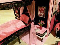 Schönes Monster High Puppenhaus unikat (Koffer) | eBay