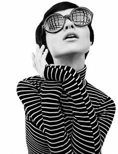 style: Carolina Thaler by Eduardo Rezende for Marie Claire Brazil - April 2013 - Irregular Stripes Foto Fashion, Fashion Mode, Fashion Beauty, Beatnik Fashion, Fashion Music, Sporty Fashion, Ski Fashion, Stripes Fashion, White Fashion
