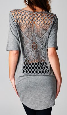 ♪ ♪ ... #inspiration #diy GB http://www.pinterest.com/gigibrazil/boards/ Gray Lace-Back Scoop Neck Tee