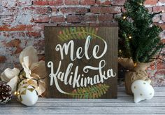 Dreaming of being in Hawaii for Christmas? Even if you cant make it there, this tropical sign can help you feel closer. Hand painted on stained pine wood, this sign can be made into the size you like (see options when checking out). Sign pictured above is 9.5 but comes in options of 7 and 11 squares also. Since this is hand painted upon ordering, please allow for slight variations from this listing photo. Hanging equipment is included on the back of the sign. Please specify which colors you…