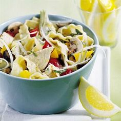 This pasta salad recipe is a fiver-rich complete meal, with vegetables, tuna, and cheese.