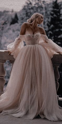 Elegant Dresses, Pretty Dresses, Beautiful Dresses, Glamouröse Outfits, Fashion Outfits, Ball Gown Dresses, Prom Dresses, Fantasy Gowns, Fairytale Dress