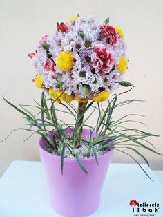 Tutorial: Cum creezi un copacel din flori Flower Designs, Flowers, Plants, Flower Drawings, Flora, Plant, Royal Icing Flowers, Flower, Florals
