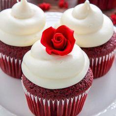 Amantes de la Red Velvet: 12 deliciosas formas de disfrutar una de las mejores tartas  http://www.micasarevista.com/recetas/versiones-tarta-red-velvet