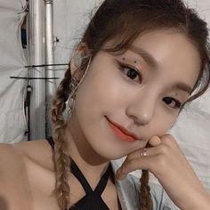 Kpop Girl Groups, Korean Girl Groups, Kpop Girls, Jennie Blackpink, 1 Girl, Summer Baby, Beautiful Asian Girls, South Korean Girls, Foto E Video