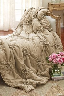 Soft Surroundings is your store for luxurious bedding sets to outfit your bedroom with beauty. Our bedding collections are inspired by vintage bedding with plush fabric & gorgeous detail. Baños Shabby Chic, Shabby Chic Homes, My New Room, Beautiful Bedrooms, Dream Bedroom, Bedding Sets, Coverlet Bedding, Comforters, Quartos