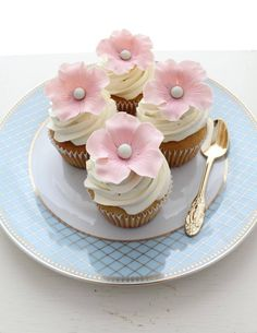 ♔ Flower Cupcakes