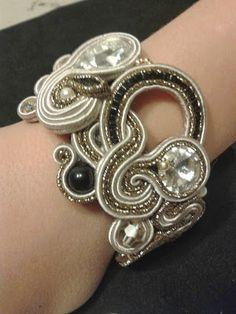 Le stelle di Eli: BRACCIALI Beaded Jewelry, Unique Jewelry, Jewellery, Soutache Bracelet, Shibori, Embroidery, Silver, Couture, Accessories