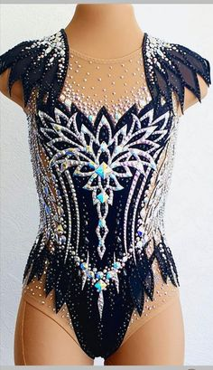Rhythmic Gymnastics Costumes, Gymnastics Photos, Dance Outfits, Dance Dresses, Salsa Bachata, Ice Skating Dresses, Maila, Ballroom Dress, Dance Costumes