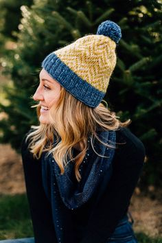 Just the thing for joyful days spent making snowmen, the fleece-lined, ethical Snow Day Hat is handcrafted by artisans working with our fair trade partner Kumbeshwar in Nepal.