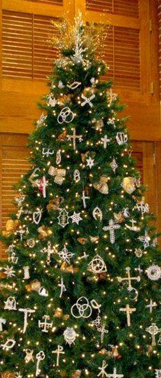 Ebenezer UMC - The Chrismons of Ebenezer Christmas Hanukkah, Merry Christmas To All, Christmas Crafts, Christmas Ornaments, Seasonal Decor, Holiday Decor, Xmas Tree Decorations, Christian Symbols, Church Banners