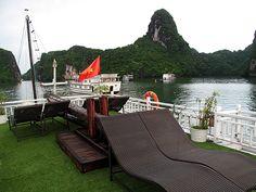overnight boat tours halong bay