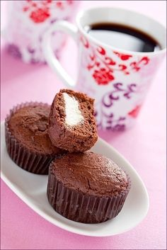 Фото к рецепту: Шоколадно - творожные кексы.
