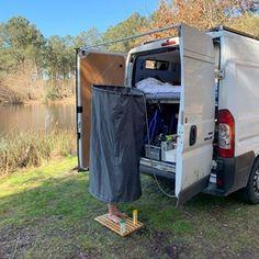 Hur är livet i en egenbyggd husbil? Reser, Campervan, Devon, Tiny House, Shed, Camping, Outdoor Structures, Product Design, Campsite