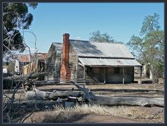 Old Farmhouse in Australia. Old Abandoned Buildings, Old Buildings, Australian Farm, Queenslander House, Australia House, South Australia, Farm Cottage, Australian Architecture, Old Farm Houses
