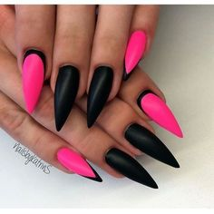CUTE CLAWS! HOT Pink & Black stiletto nails. Alternative to Halloween design with typical orange and black #october #polished