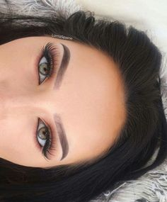 Gorgeous lashes and eyeshadow - @Beejoloves