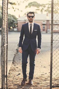 Navy suit - What a man should wear #stylereport