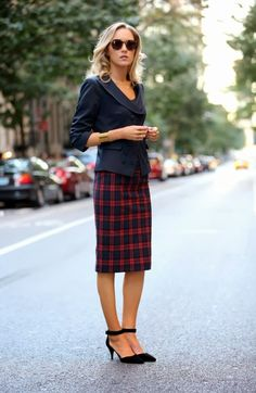 Casual Work Outfits Ideas - nice skirt!
