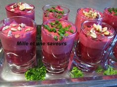 Verrine betterave rouge et fromage ail et fines herbes - Chorizo, Entrees, Wine Glass, Buffet, How To Memorize Things, Good Food, Appetizers, Cooking, Healthy