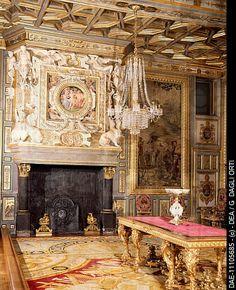 Francis I's salon, Chateau de Fontainebleau (UNESCO World Heritage ), France, 16th century.  Fontainebleau, Musée National du Château de Fontainebleau