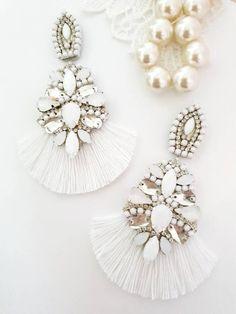 Prom Earrings, White Earrings, Bridesmaid Earrings, Wedding Earrings, Tassel Earrings, Chandelier Earrings, Statement Earrings, Teen Christmas Gifts, Wedding Inspiration