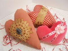 Valentine, Primitive, 3 Heart Cupboard Tucks II