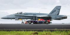 champions Red Bull lined up their latest driver Daniel Ricciardo alongside a Royal Australian Air Force Hornet fighter jet for the spectacular showdown. Red Bull F1, Red Bull Racing, F1 Racing, Top Gun, Fighter Aircraft, Fighter Jets, Motor Ford, Aviation Blog, F18 Hornet
