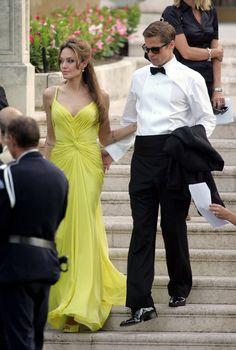 Angelina Jolie and Brad Pitt, brangelina couple. Brad And Angie, Brad Pitt And Angelina Jolie, Jennifer Aniston, Vivienne Marcheline Jolie Pitt, Pretty People, Beautiful People, Jenifer Lawrence, Celebrity Gallery, Famous Couples