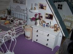Beautiful work, blog with ideas.  #miniature #dollhouse #shabby