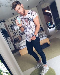 Men With Street Style, Casual Street Style, Blazer Fashion, Fashion Outfits, Stylish Men, Men Casual, Camisa Floral, Mode Man, Love Fashion