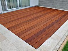Holzterrasse aus Cumaru-Terrassendielen von Holzhandel-Deutschland