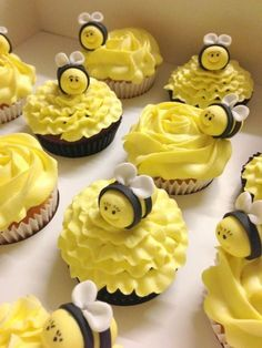 Cute Bee Cupcakes from 4 Little Piggies in Devonport.think-tasmani. Baby Cakes, Baby Shower Cakes, Cupcakes Flores, Flower Cupcakes, Bumble Bee Cake, How To Make Cupcakes, Cute Cakes, Creative Cakes, Mini Cakes
