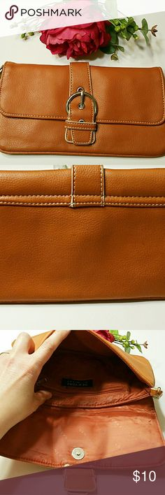 {New York & Co} Orange Wristlet Handbag Cute Orange Wristlet/Handbag by NY&CO. In good used condition. Only used it a couple of times with minimal wear. New York & Company Bags Clutches & Wristlets