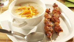Champignoncreme Suppe mit Saté-Spieß