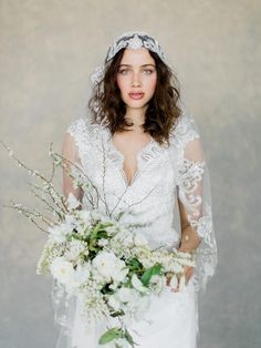 White bridal bouquet with Claire Pettibone Horizon Couture Wedding Gown with Casablanca bridal veil. Claire Pettibone, White Bridal Dresses, Colored Wedding Dresses, Casablanca, Wedding Designs, Wedding Styles, Wedding Ideas, Cathedral Wedding Veils, Couture Wedding Gowns