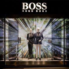 Vitrine de primavera da Hugo Boss em Paris