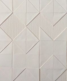 "Liz Sofield ""Aztec Weave"" - paper art texture SCOUTED: Textile paper artworks by Liz Sofield - We Are Scout Parametrisches Design, Tile Design, Design Blogs, Wall Patterns, Textile Patterns, Textiles, Sgraffito, Look Wallpaper, Paper Wallpaper"